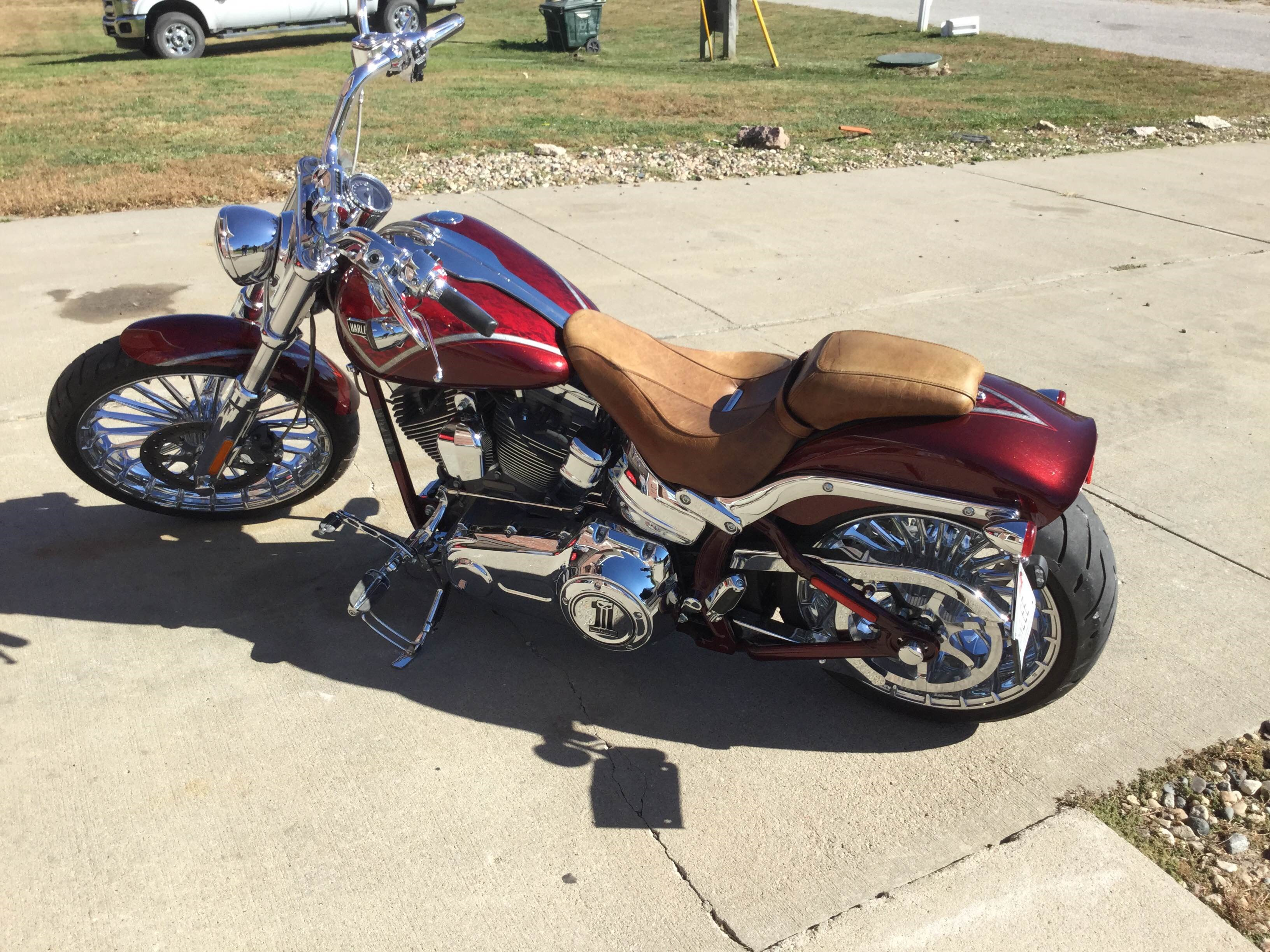 2013 Harley-Davidson® FXSBSE CVO™ Breakout (Crimson Red Sunglo With Scarlet Lace Graphic), Omaha ...
