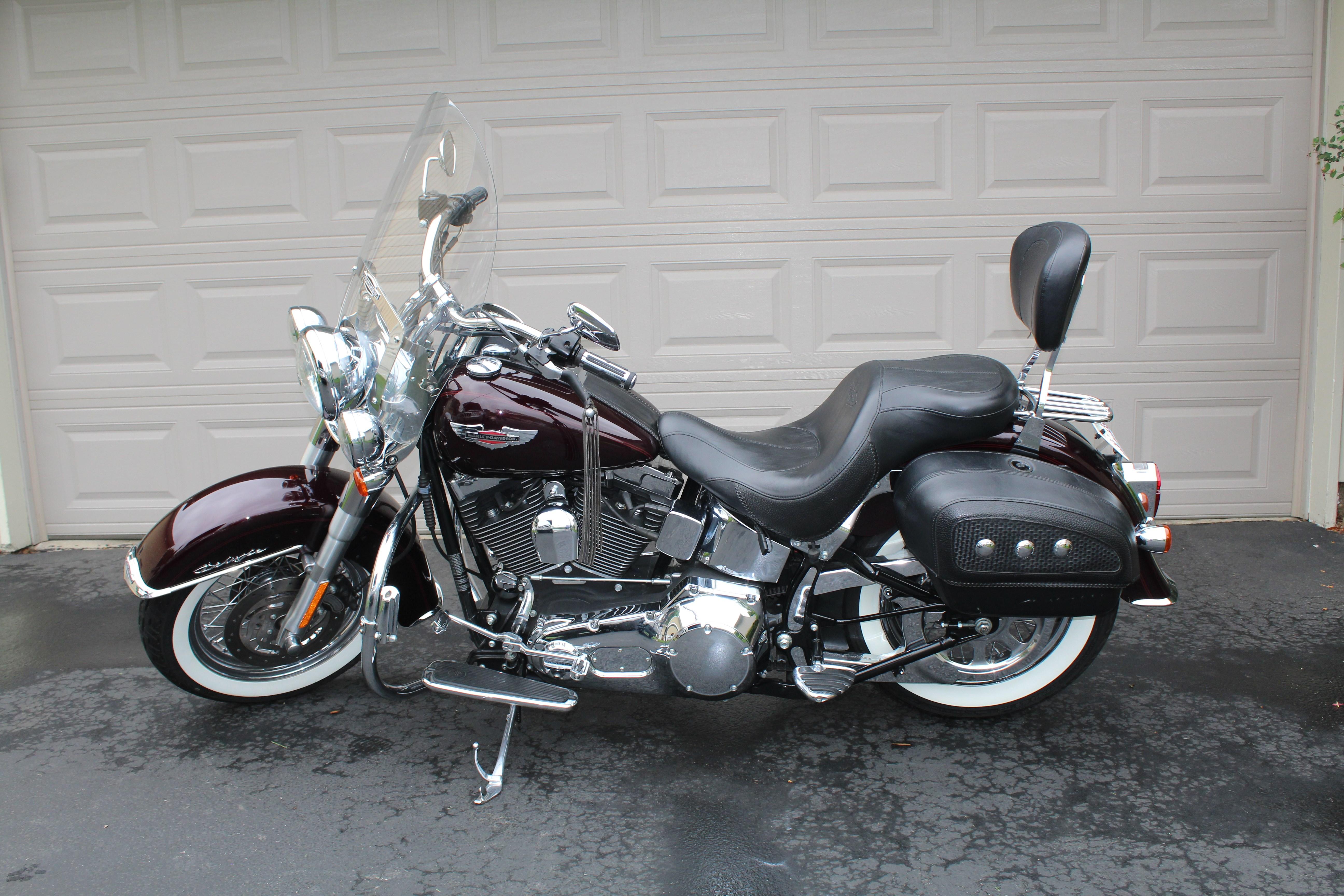2005 Harley-Davidson® FLSTN/I Softail® Deluxe (Black ...