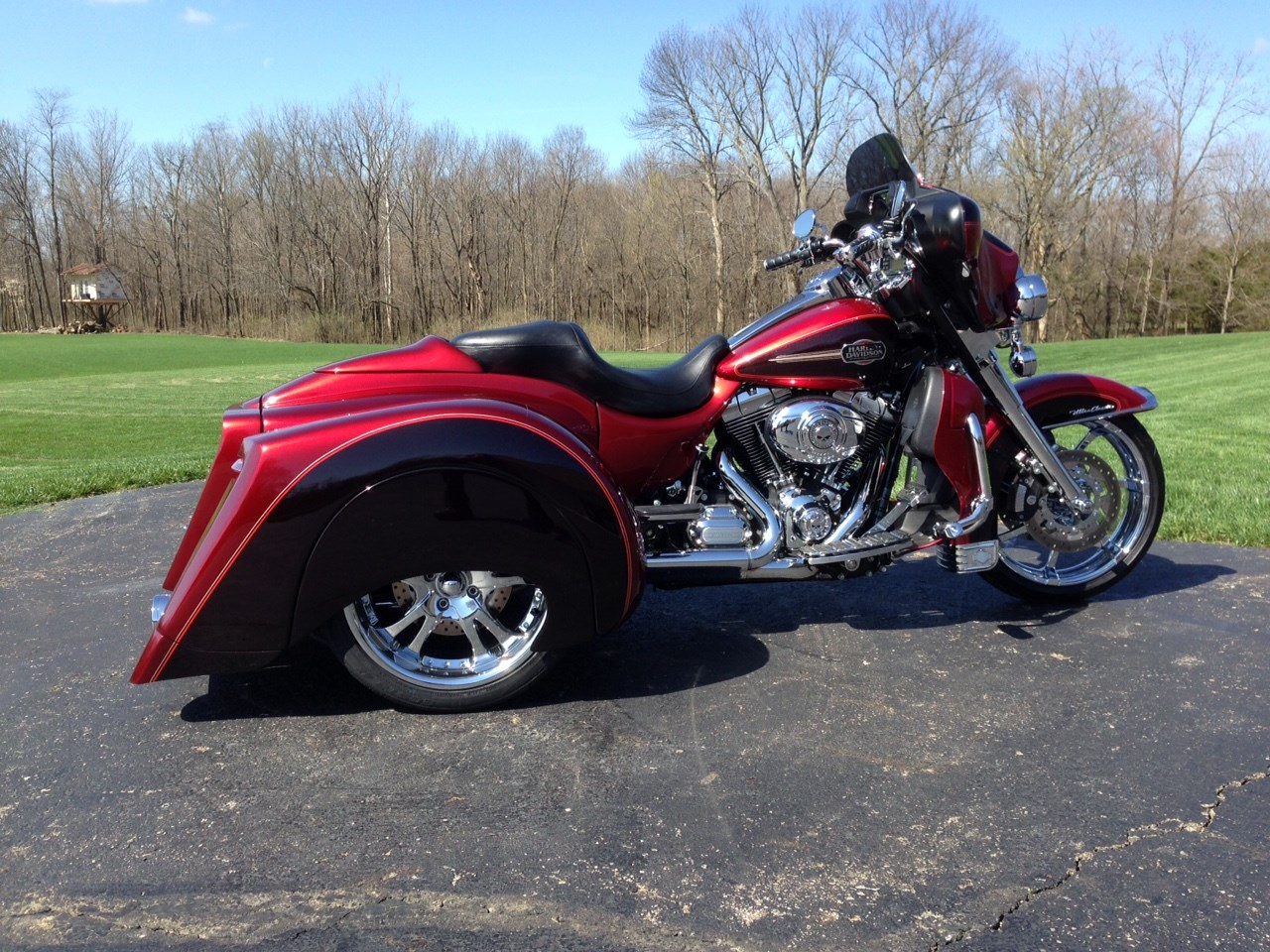 2012 harley davidson custom trike candy sun glow red and deep merlow with tones of flake just. Black Bedroom Furniture Sets. Home Design Ideas