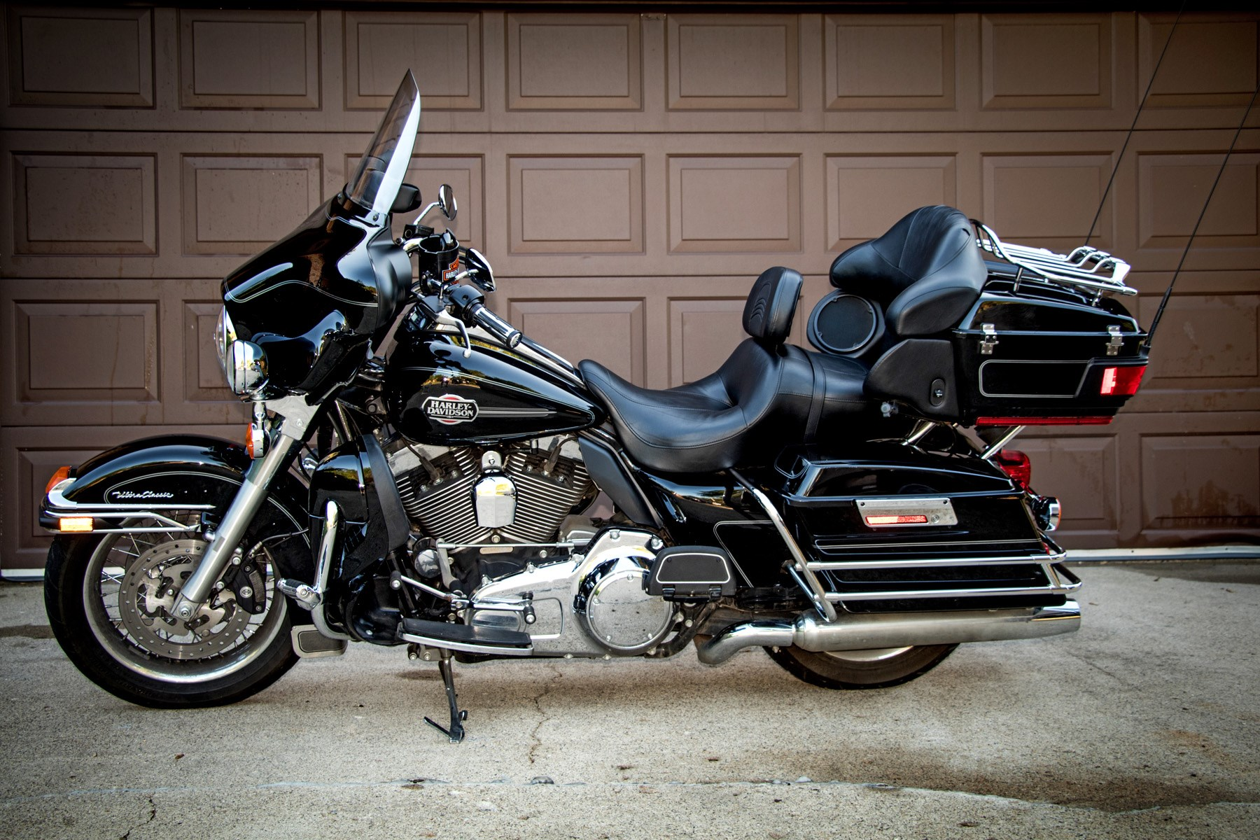 2010 harley davidson flhtcu ultra classic electra glide black worthington minnesota. Black Bedroom Furniture Sets. Home Design Ideas