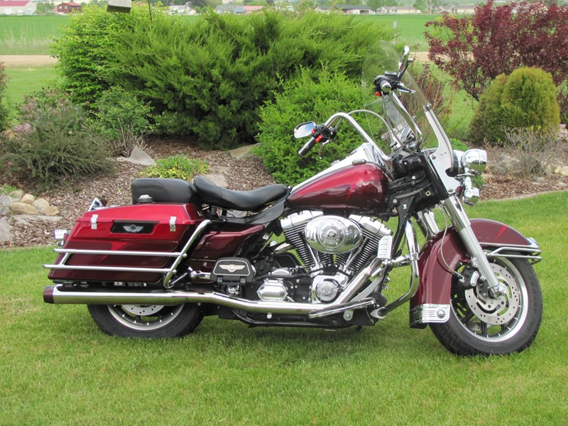 Photo of a 2003 Harley-Davidson® FLHP/I Road King® Police