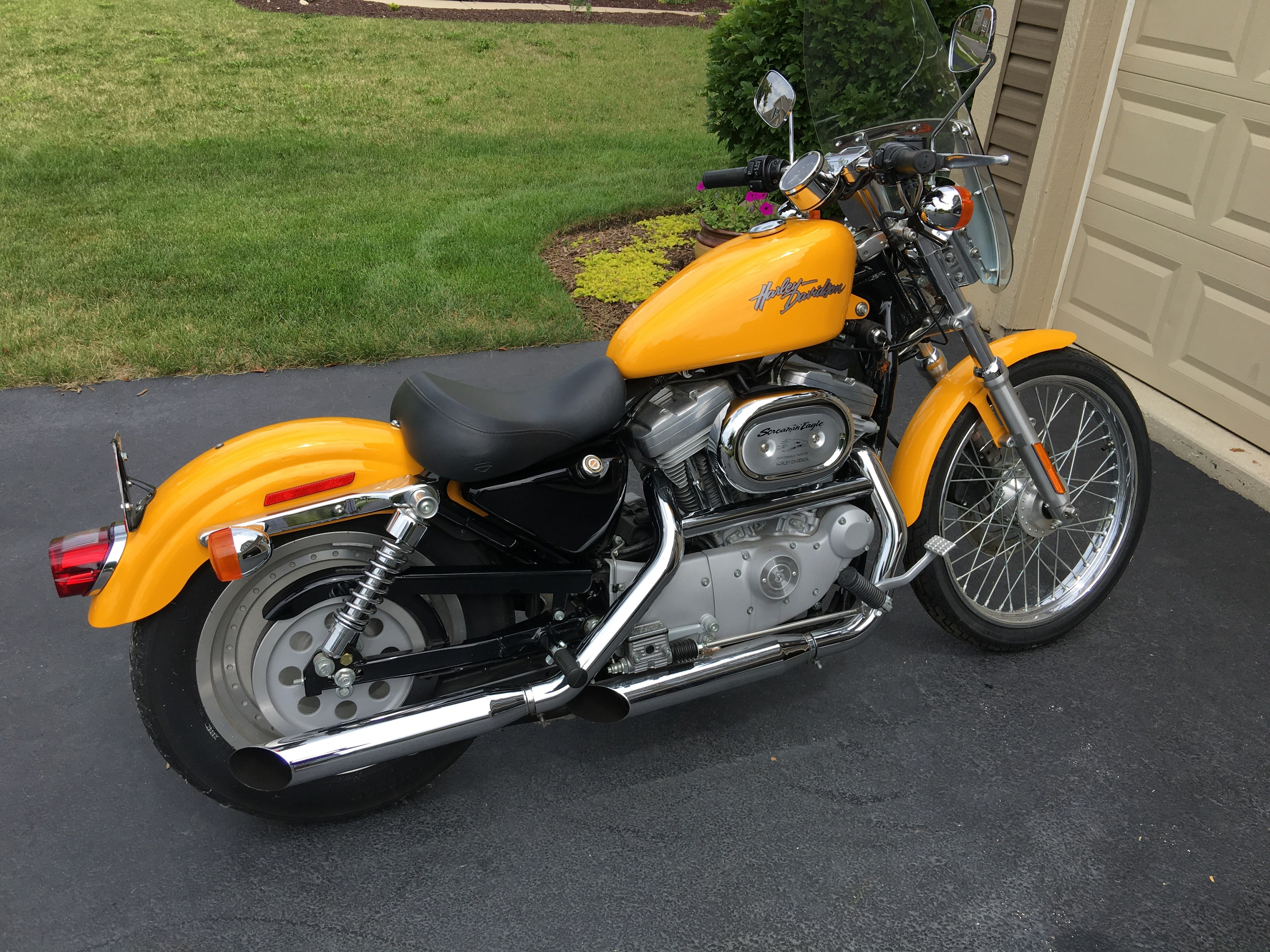 2001 harley davidson xl883c sportster 883 custom yellow woodstock illinois 657628. Black Bedroom Furniture Sets. Home Design Ideas