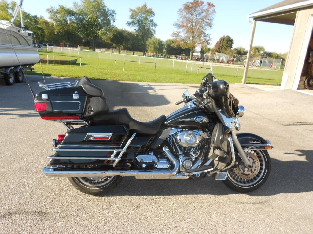 2009 Harley-Davidson® FLHTCU Electra Glide® Ultra Classic® – $10900