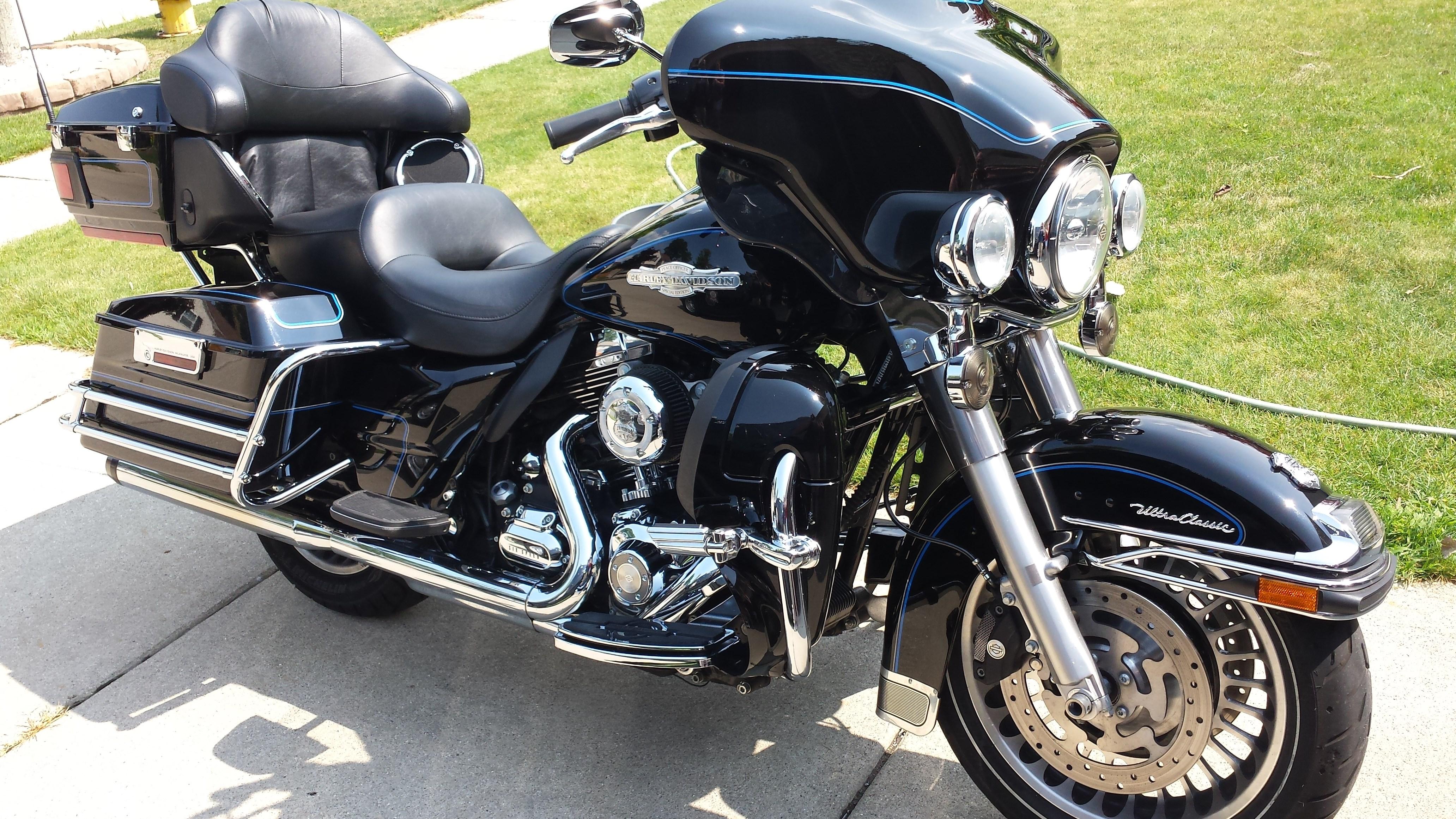 2009 Harley-Davidson® FLHTCU Electra Glide® Ultra Classic ...