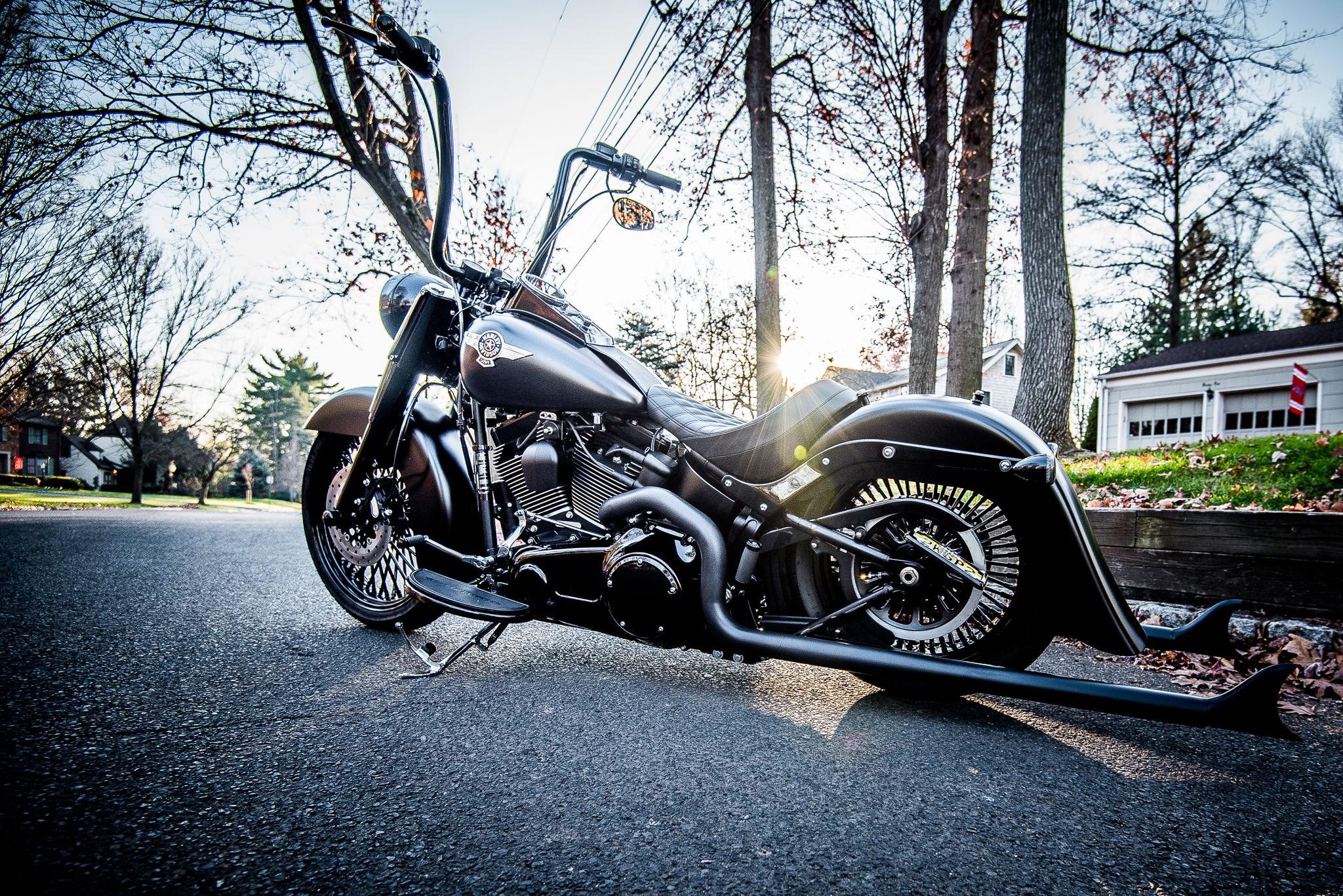 2012 Harley-Davidson® FLHRC Road King® Classic (Vivid