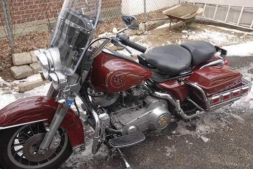 1983 Harley-Davidson® FLHT Electra Glide® (red), elmont ...