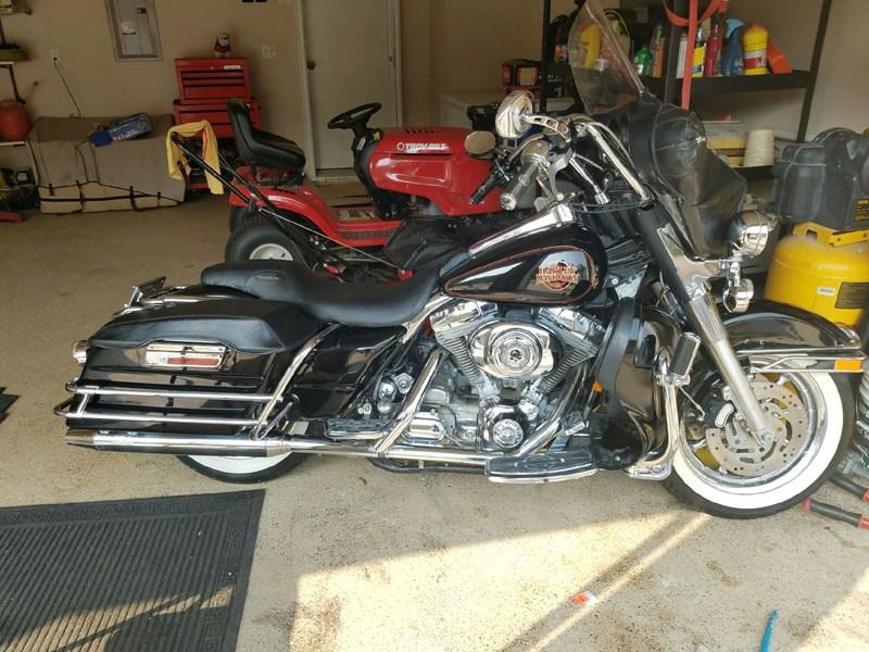 Photo of a 2001 Harley-Davidson® FLTR/I Road Glide®