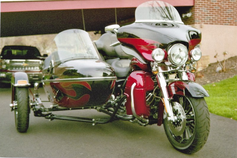 Photo of a 2011 Harley-Davidson® FLHTK Electra Glide® Ultra Limited® w/ Sidecar