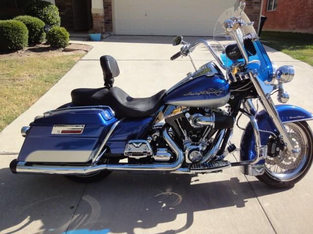 2010 Harley Davidson 174 Flhr Road King 174 Flame Glo Blue