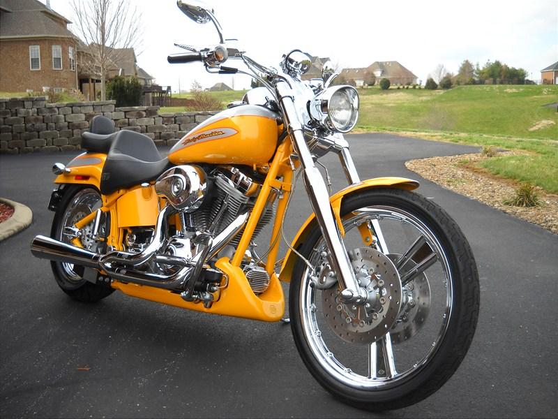 Photo of a 2004 Harley-Davidson® FXSTDSE2 Screamin' Eagle® Softail® Deuce