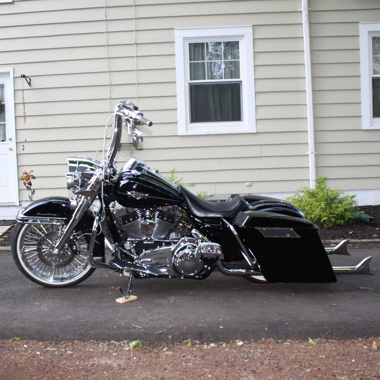 2012 Harley-Davidson® FLHRC Road King® Classic (Vivid Black ...