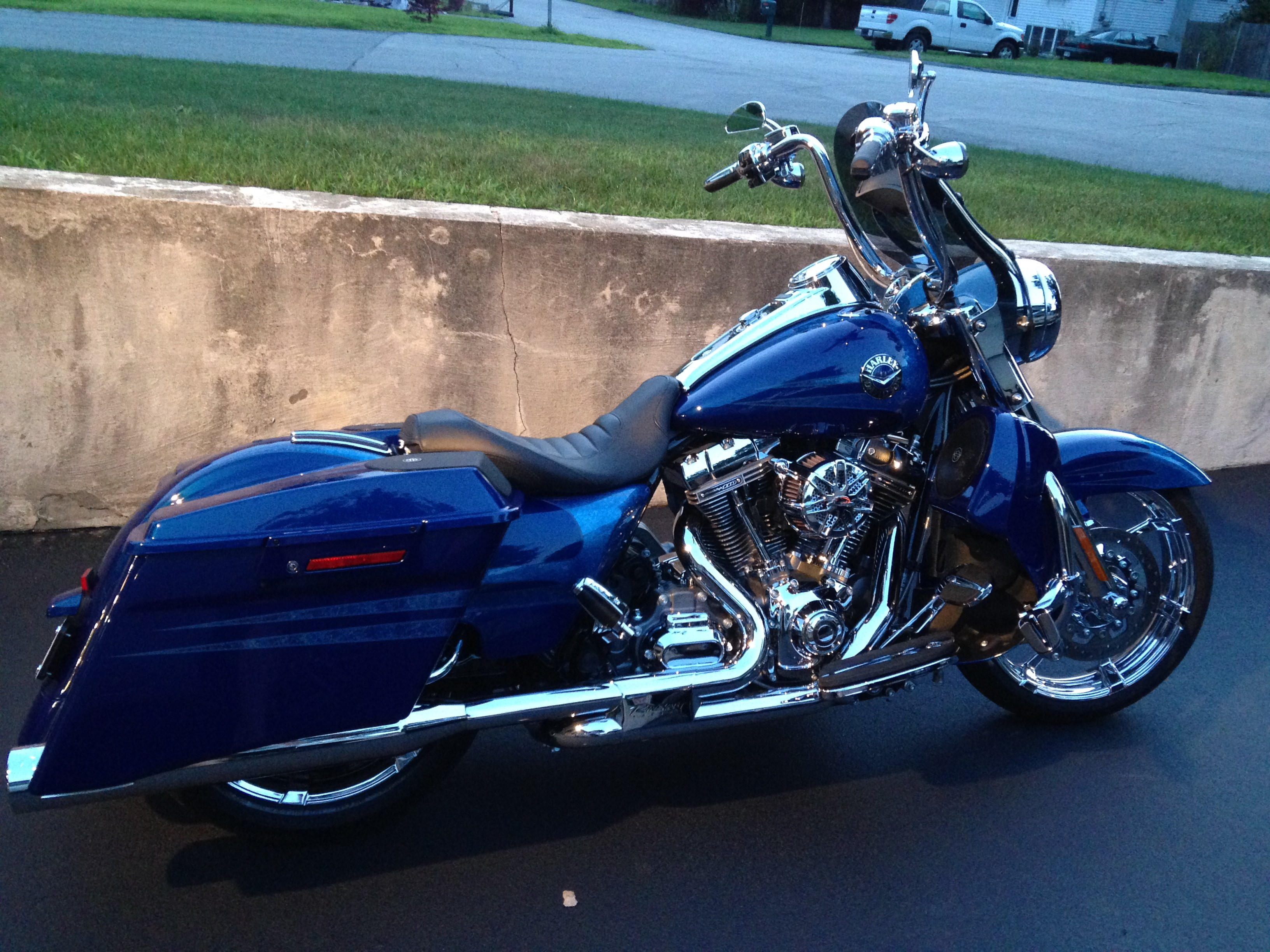 Harley Road King For Sale >> 2013 Harley-Davidson® FLHRSE5 CVO™ Road King® (Crushed Sapphire with Cold Fusion Graphics ...