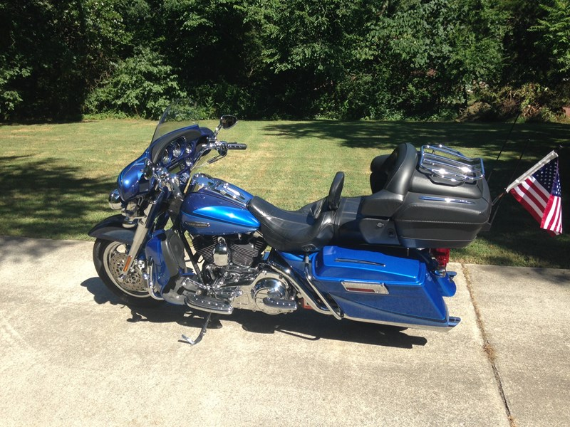 Photo of a 2007 Harley-Davidson® FLHTCUSE2 Screamin' Eagle® Ultra Classic® Electra Glide®