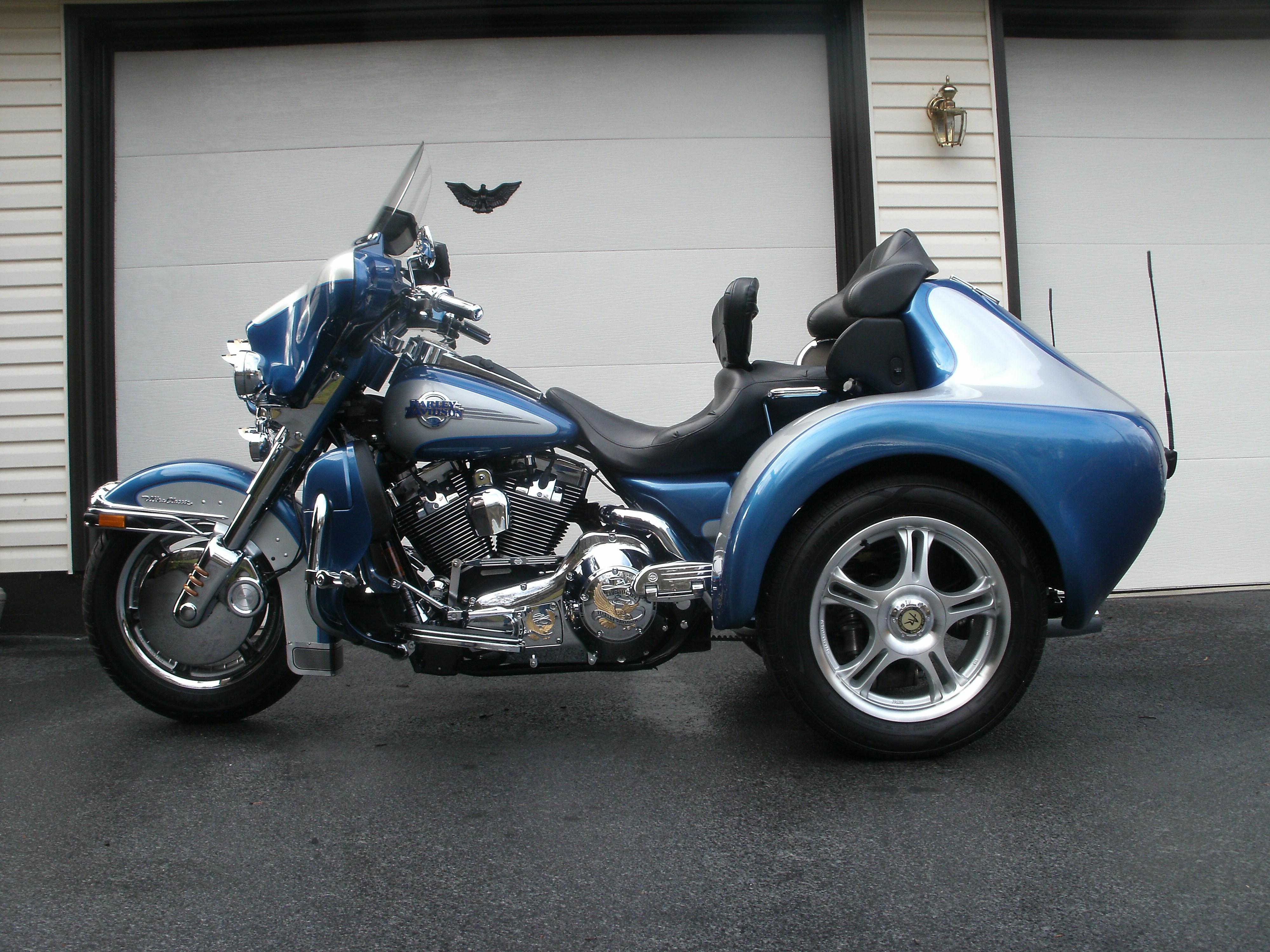 2006 harley davidson custom trike blue silver lancaster pennsylvania 695234 chopperexchange. Black Bedroom Furniture Sets. Home Design Ideas