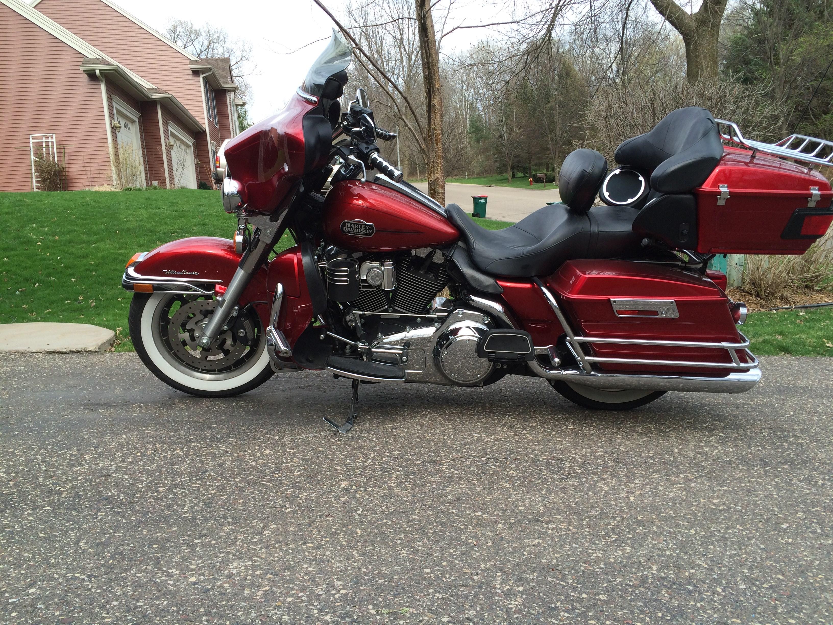 2010 Harley-Davidson® FLHTCU Ultra Classic® Electra Glide ...