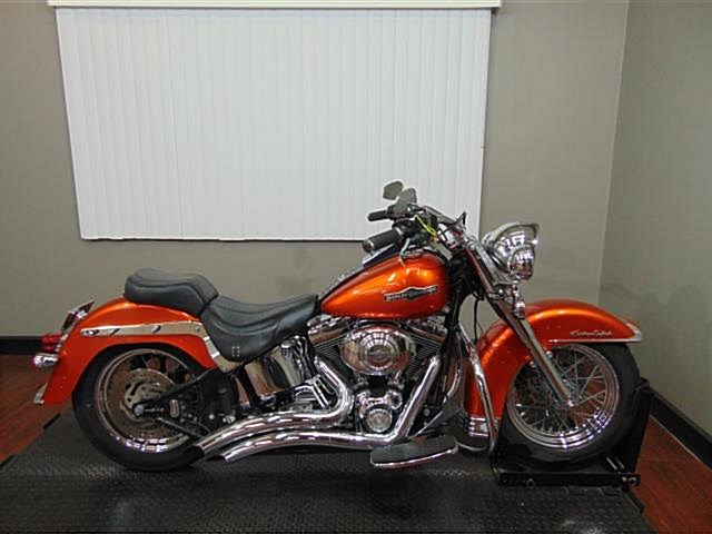 Photo of a 2002 Harley-Davidson® FLSTC/I Heritage Softail® Classic