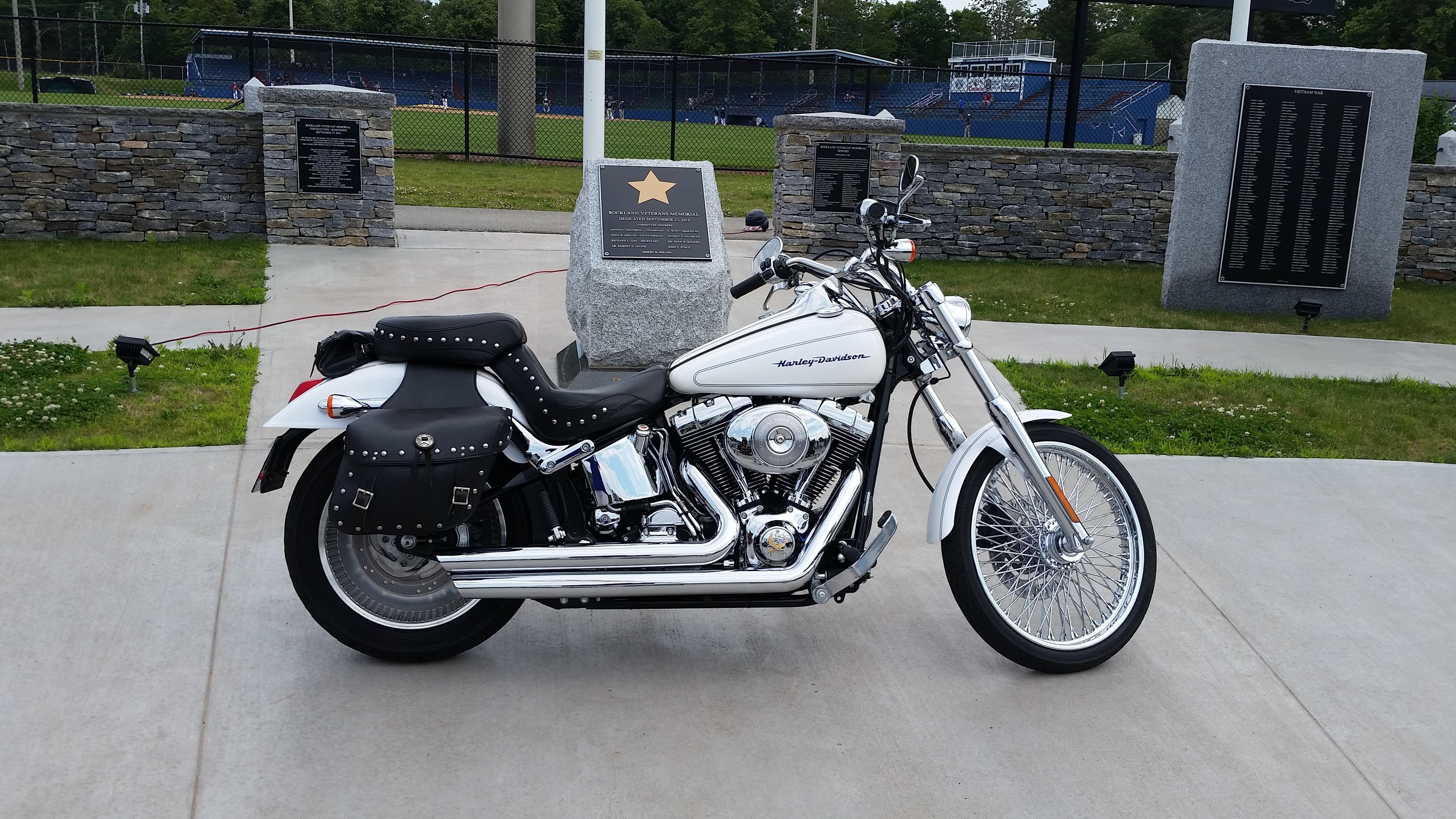 2005 Harley I Softail U00ae Deuce U2122  Pearl White