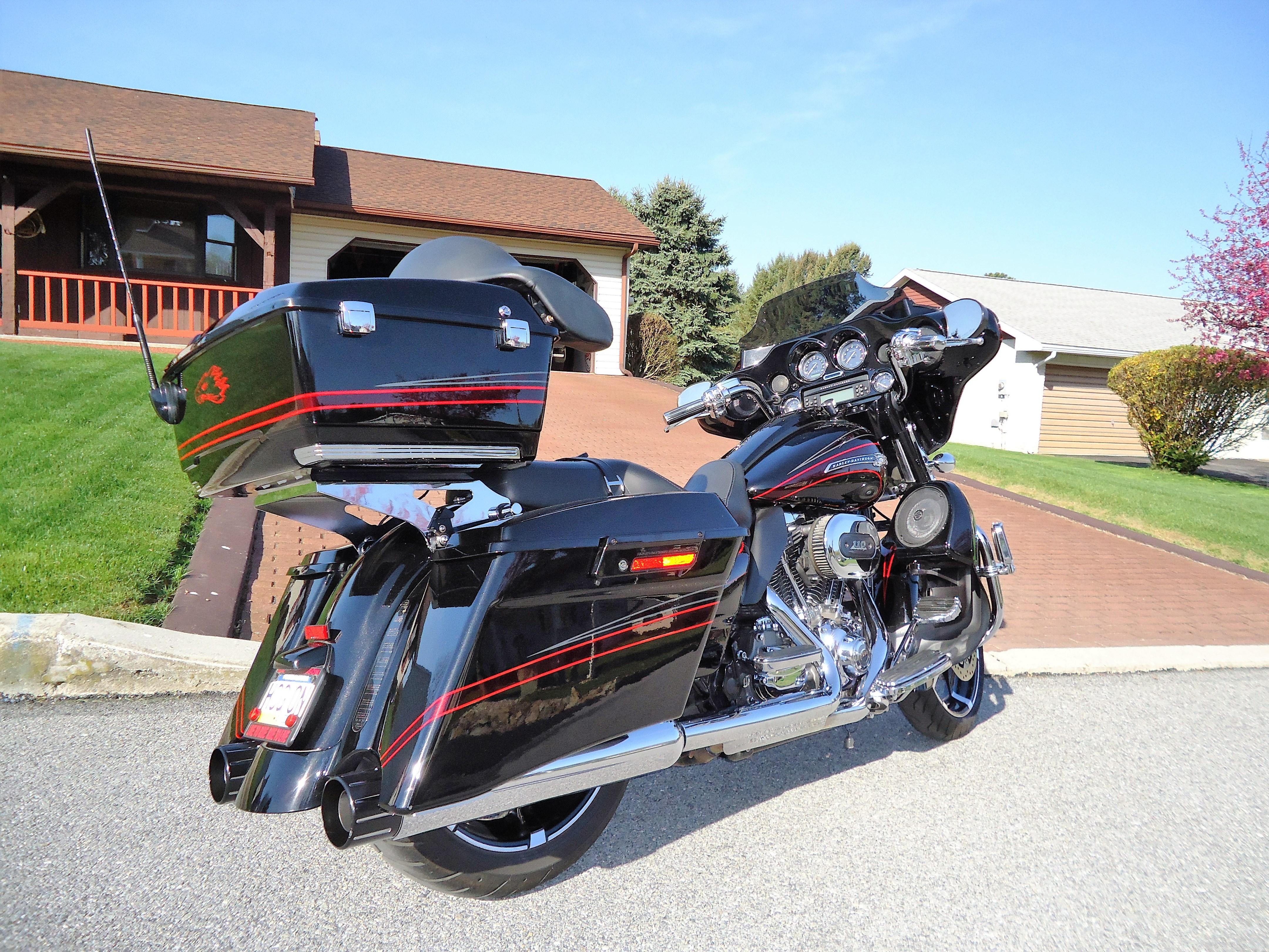Cvo For Sale Pennsylvania >> 2011 Harley-Davidson® FLHXSE2 CVO™ Street Glide® (Black Diamond / Crimson Graphics), Spring ...