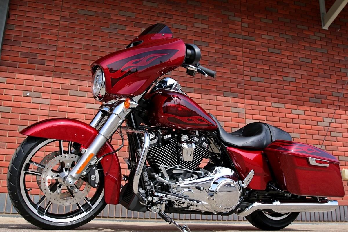 2017 Harley Davidson FLHXS Street Glide Special Hard