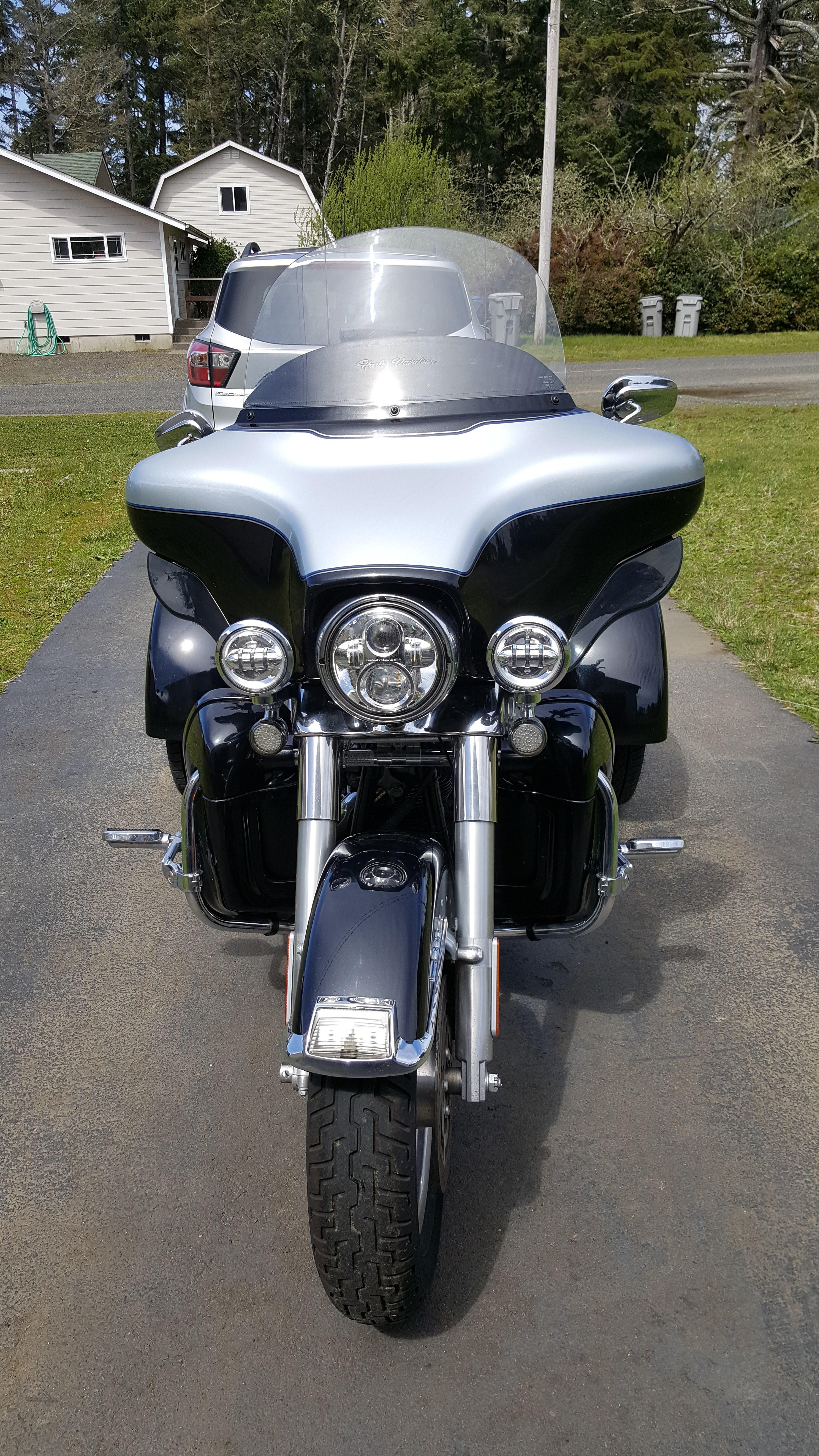 2017 Harley Dealer Washington >> 2013 Harley-Davidson® FLHTCUTG Tri Glide™ Ultra Classic® (Midnight/Brilliant Silver), Westport ...