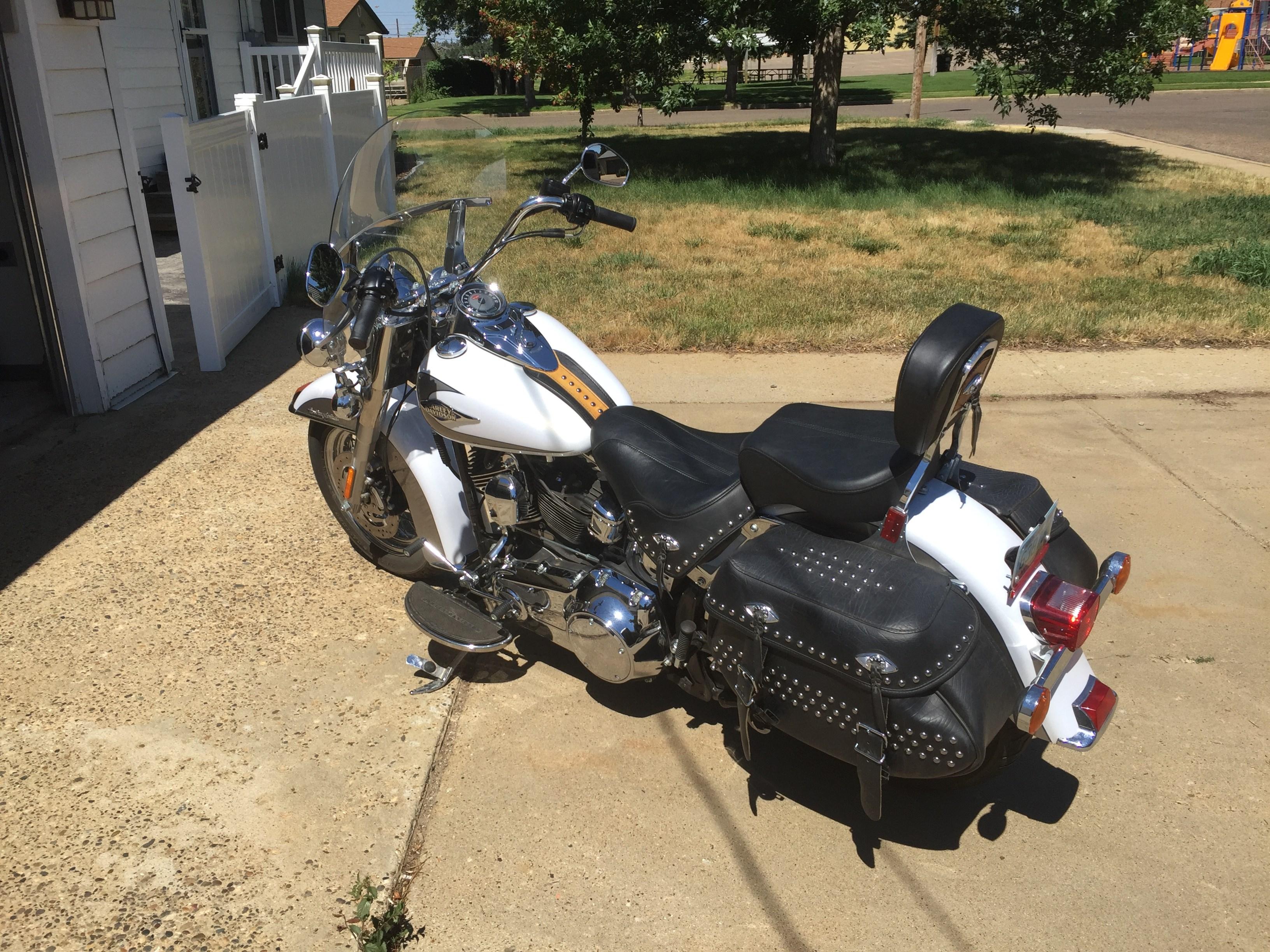 Used Harley Davidson Motorcycles For Sale San Marcos Tx >> 2009 Harley-Davidson® FLSTC Heritage Softail® Classic (White w/gray), Dickinson, North Dakota ...