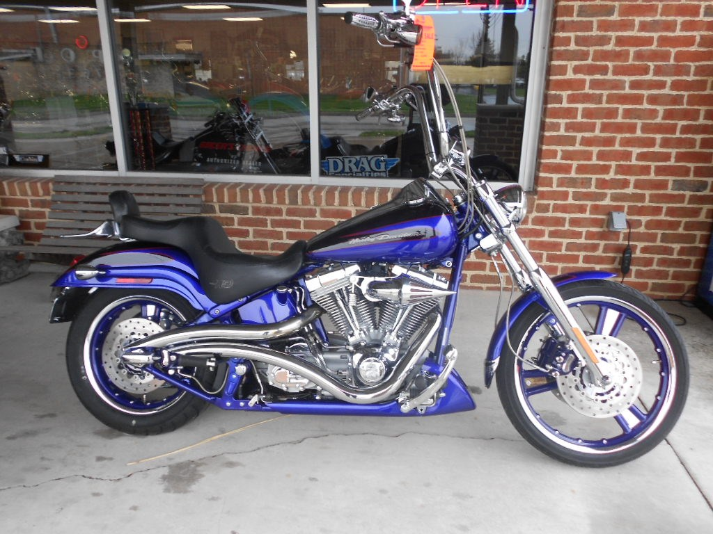 2004 Harley-Davidson® FXSTDSE2 Screamin' Eagle® Softail® Deuce – $10900