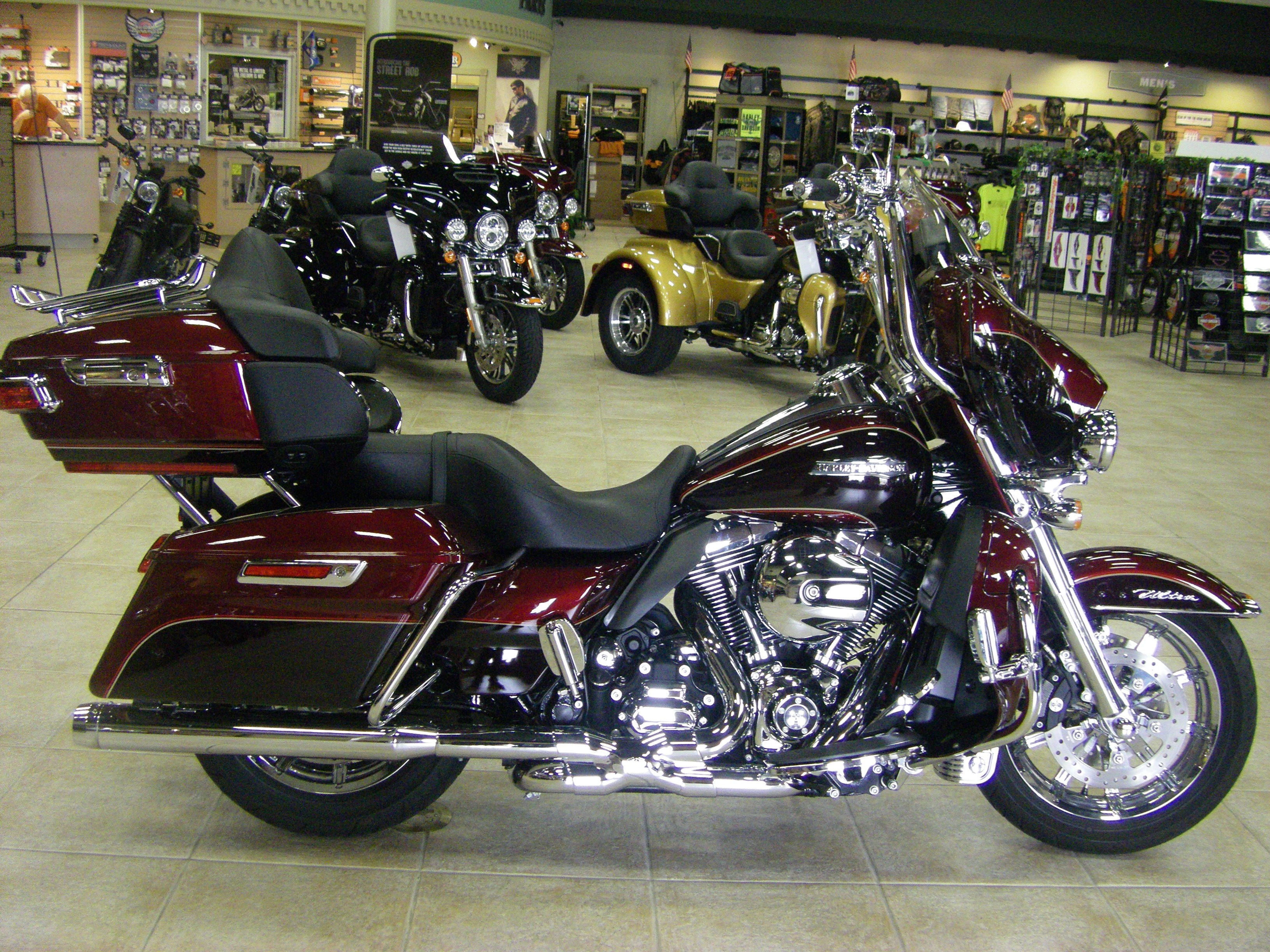 harley davidson flhtcul electra glide ultra classic  mysterious red cayenne