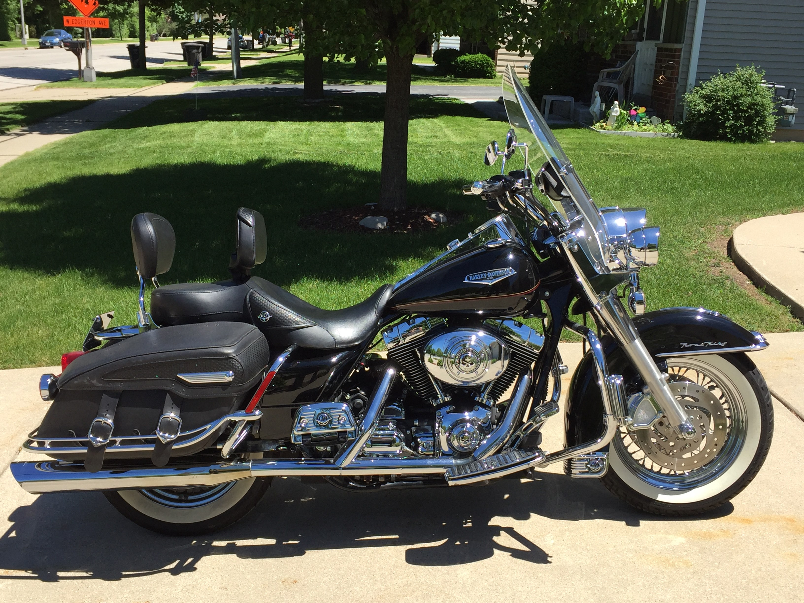 all new used harley davidson touring road king classic. Black Bedroom Furniture Sets. Home Design Ideas