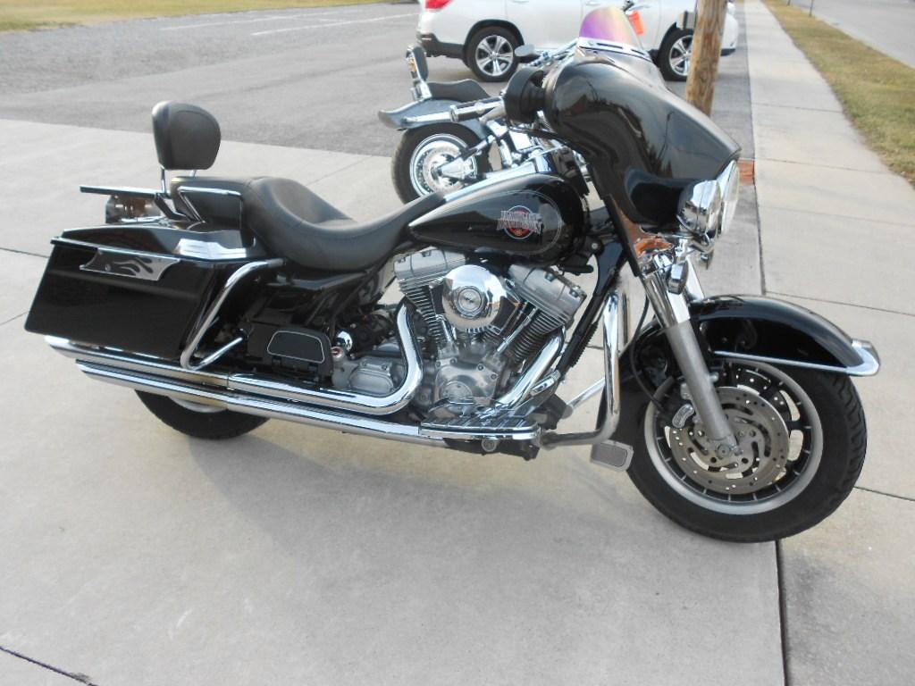 2004 Harley-Davidson® FLHT/I Electra Glide® Standard – $7900