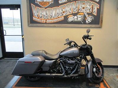 New 2017 Harley-Davidson® Road King® Special