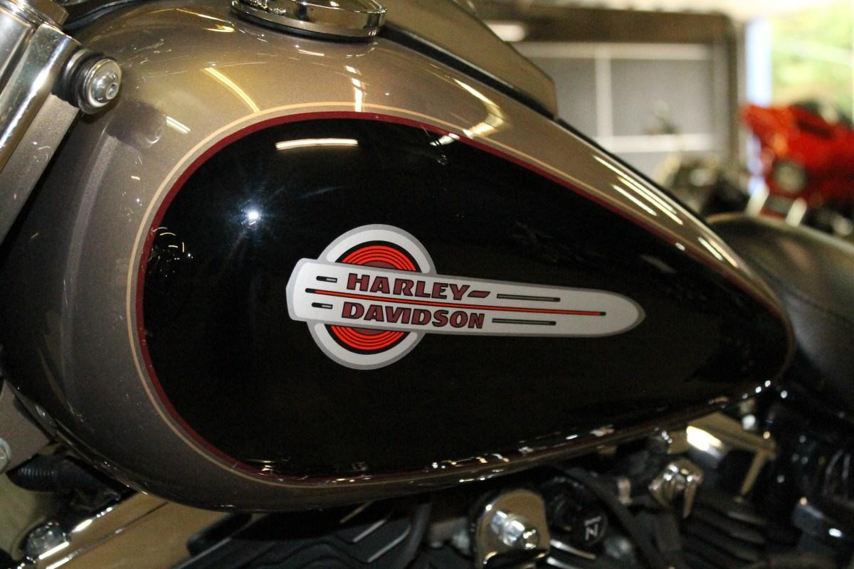 2004 Harley-Davidson® FLSTC/I Heritage Softail® Classic ...