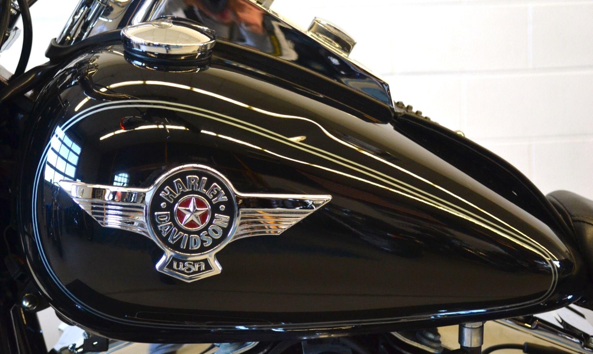 Harley Davidson Softail  Mile Service