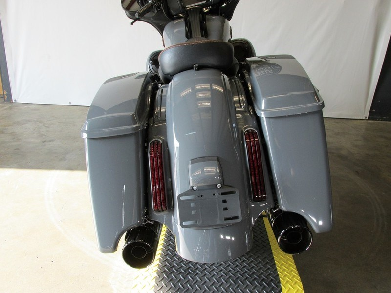 2017 Street Glide For Sale Nashville Tn >> 2018 Harley-Davidson® FLHXSE CVO™ Street Glide® (Gunship Gray), Nashville, Tennessee (752372 ...