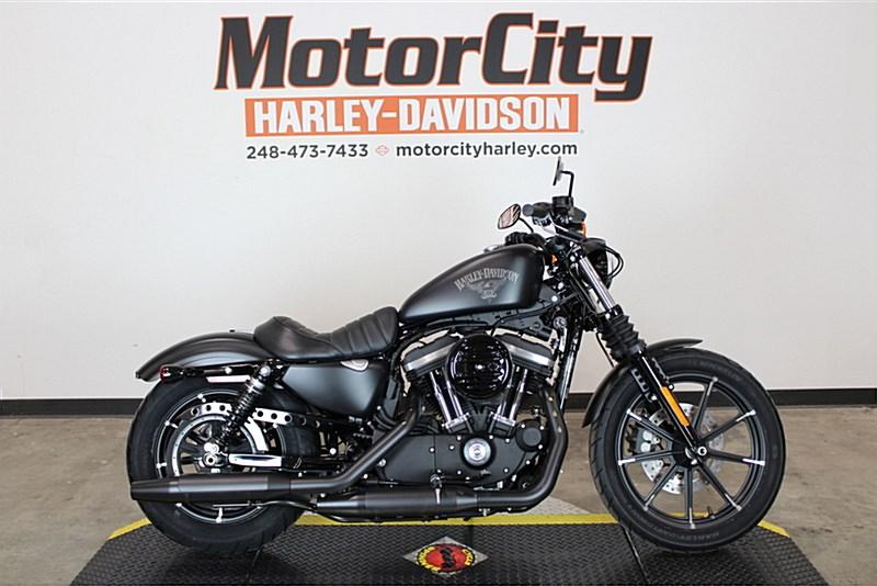 2017 Harley Davidson Xl883n Sportster Iron 883 Black