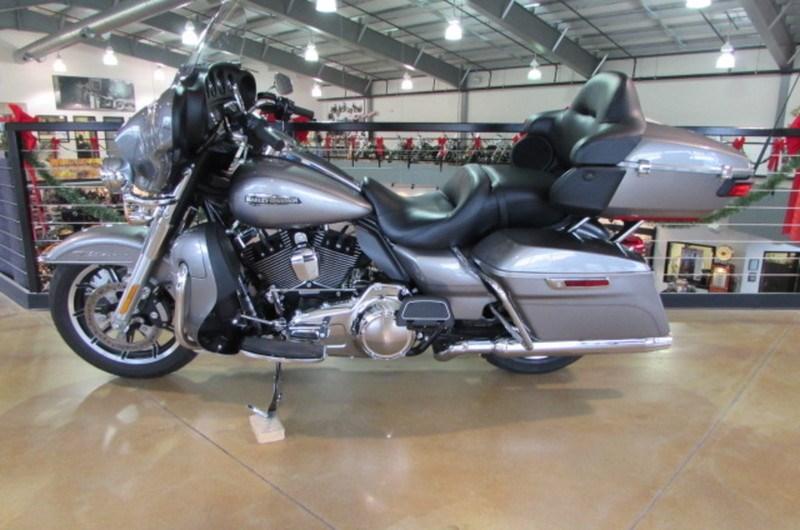2016 Harley DavidsonR FLHTCU Electra GlideR Ultra Classic