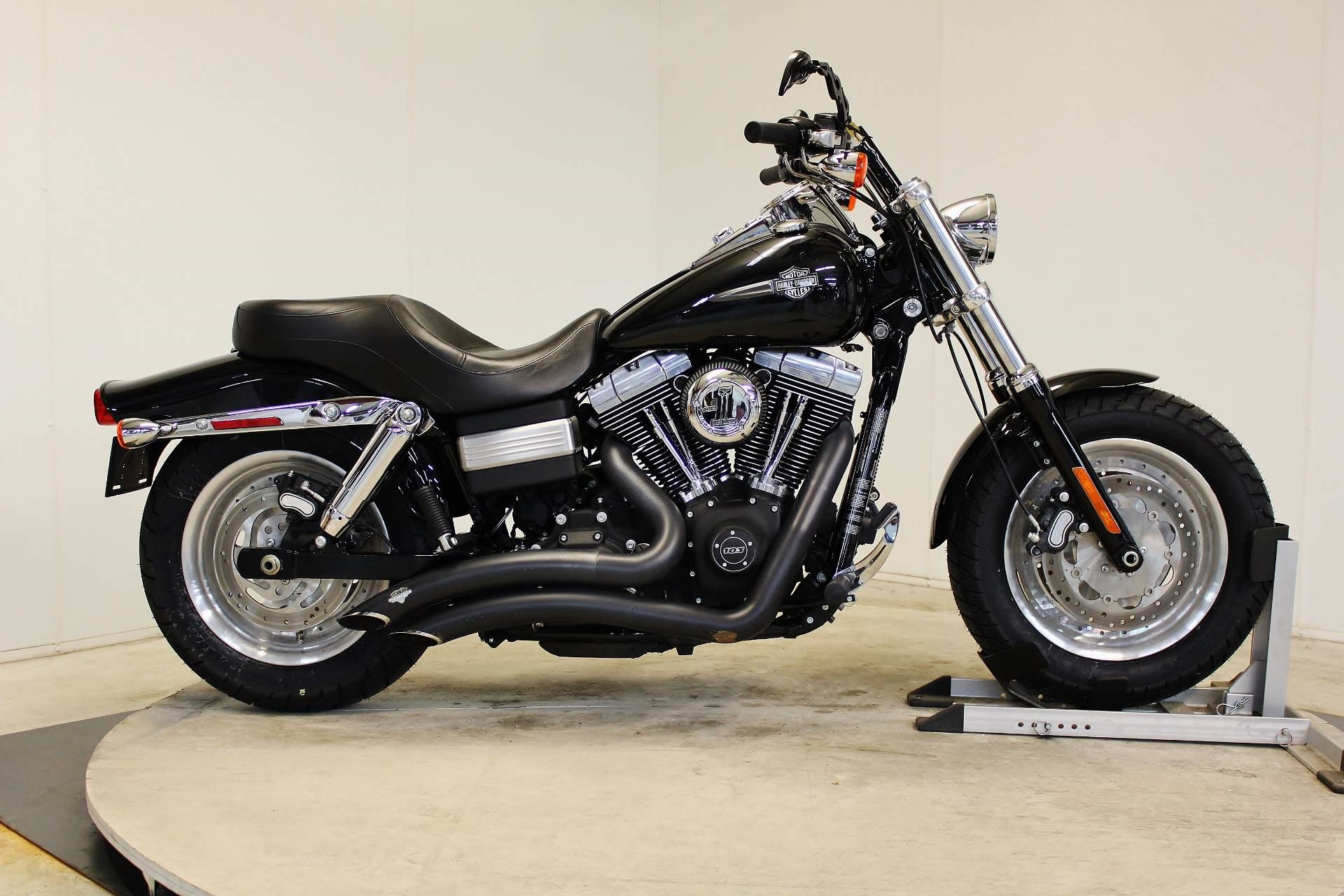2013 harley davidson fxdf dyna fat bob midnight pearl pittsfield massachusetts 738395. Black Bedroom Furniture Sets. Home Design Ideas