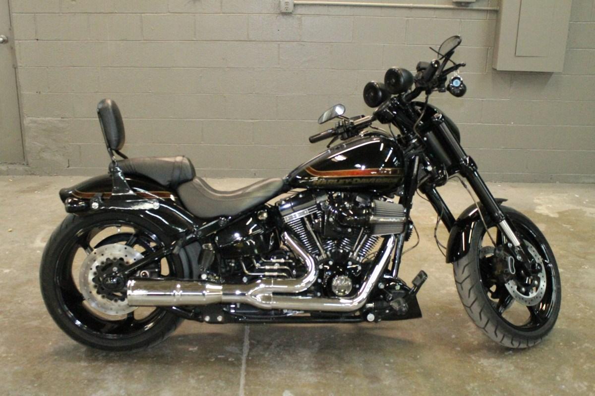 2016 Harley-Davidson® FXSE CVO™ Pro Street Breakout ...