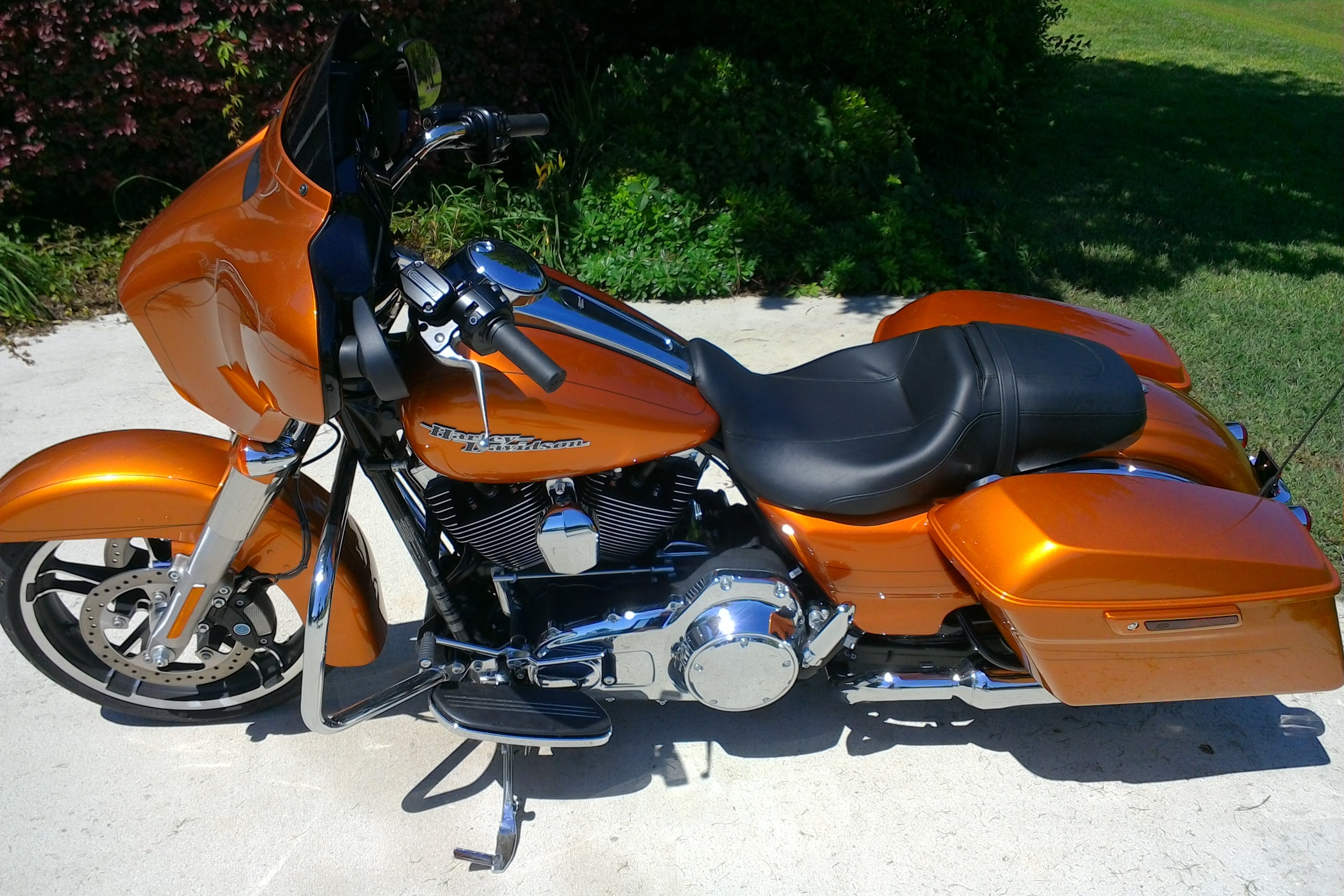 Amber Whiskey Harley Davidson Street Glide