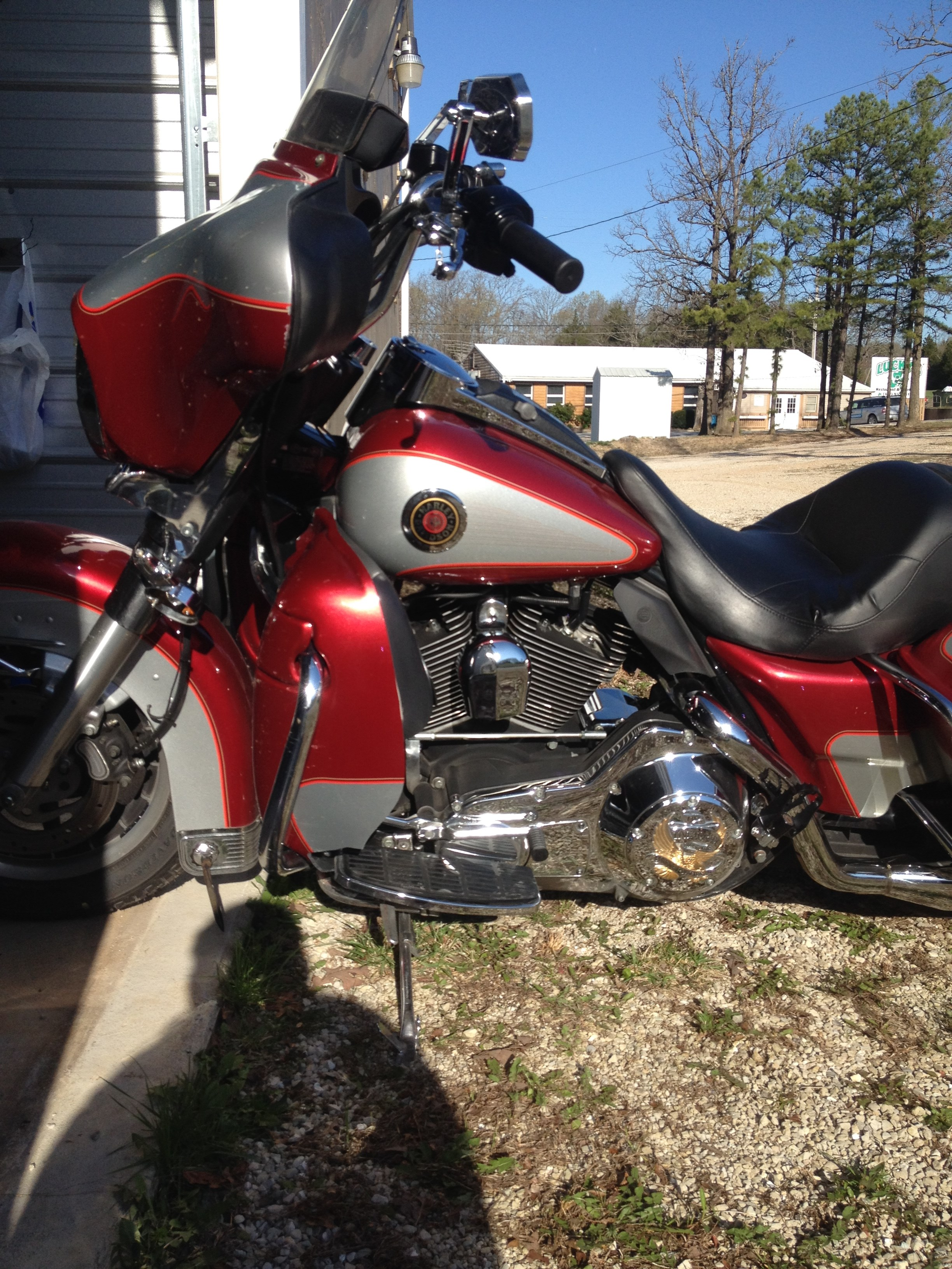 Harley Davidson Red Deer >> 2004 Harley-Davidson® FLHTCU/I Ultra Classic® Electra Glide® (Candy Red & Silver), Pittsburg ...