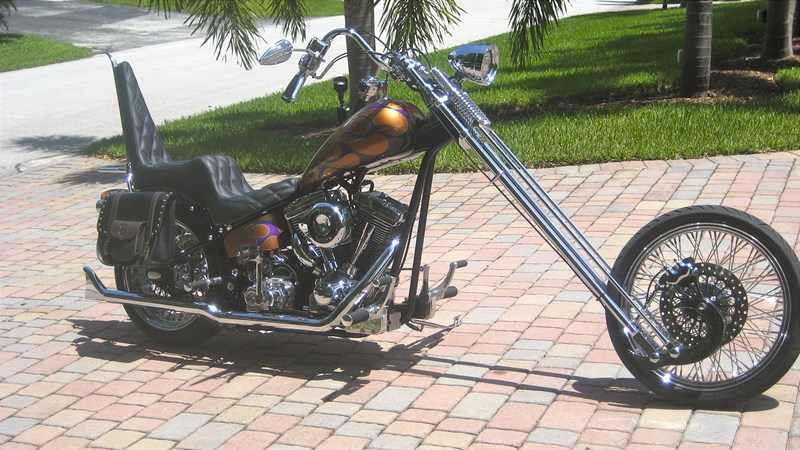 2012 Harley-Davidson® Custom (Gld Starburst With Purple And Lime