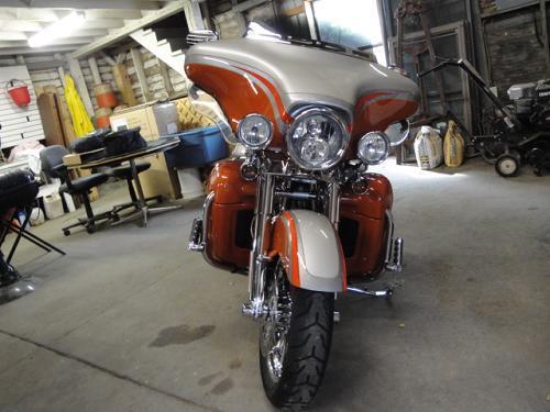 2009 Harley-Davidson® FLHTCUSE4 CVO™ Ultra Classic ...