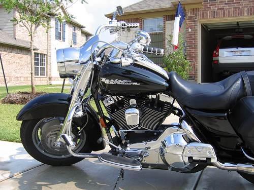 2004 Harley-Davidson® FLHRS/I Road King® Custom