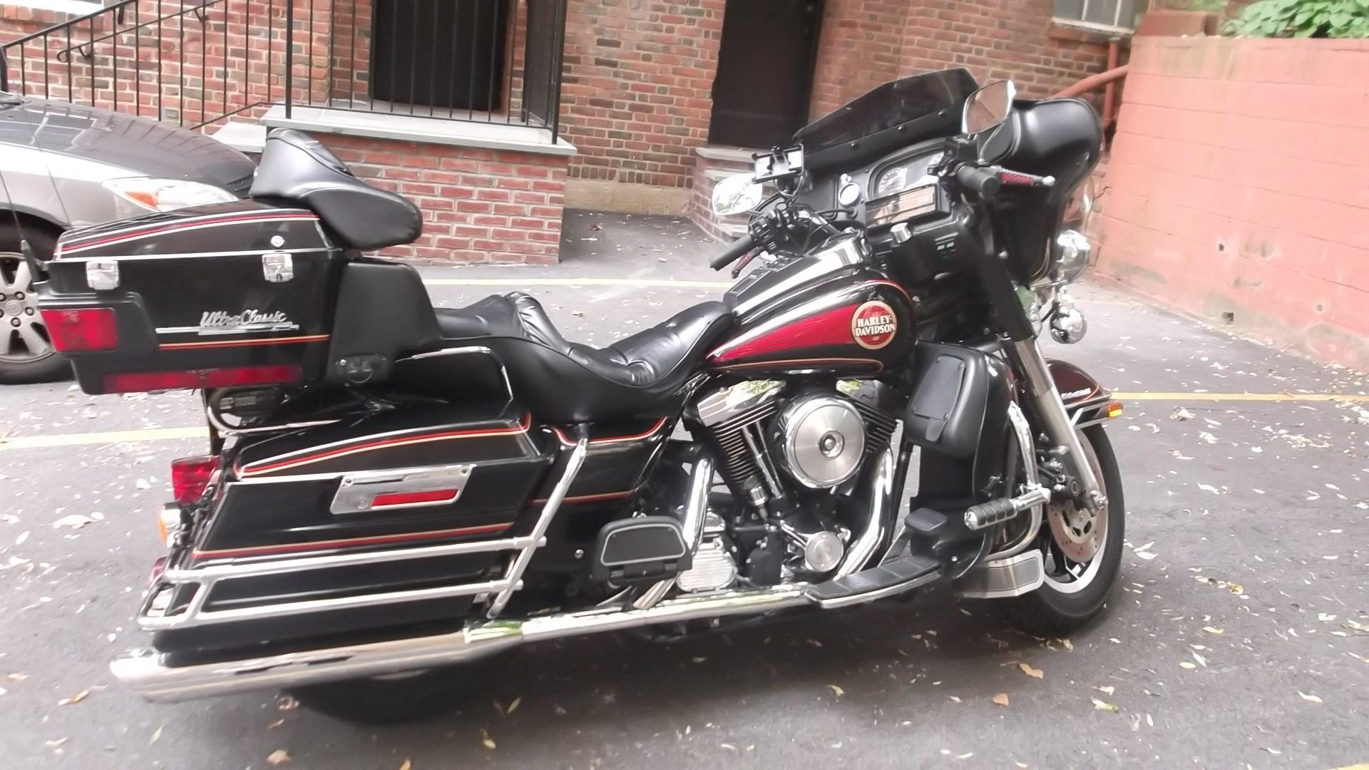 Harley Davidson Electra Glide Radio
