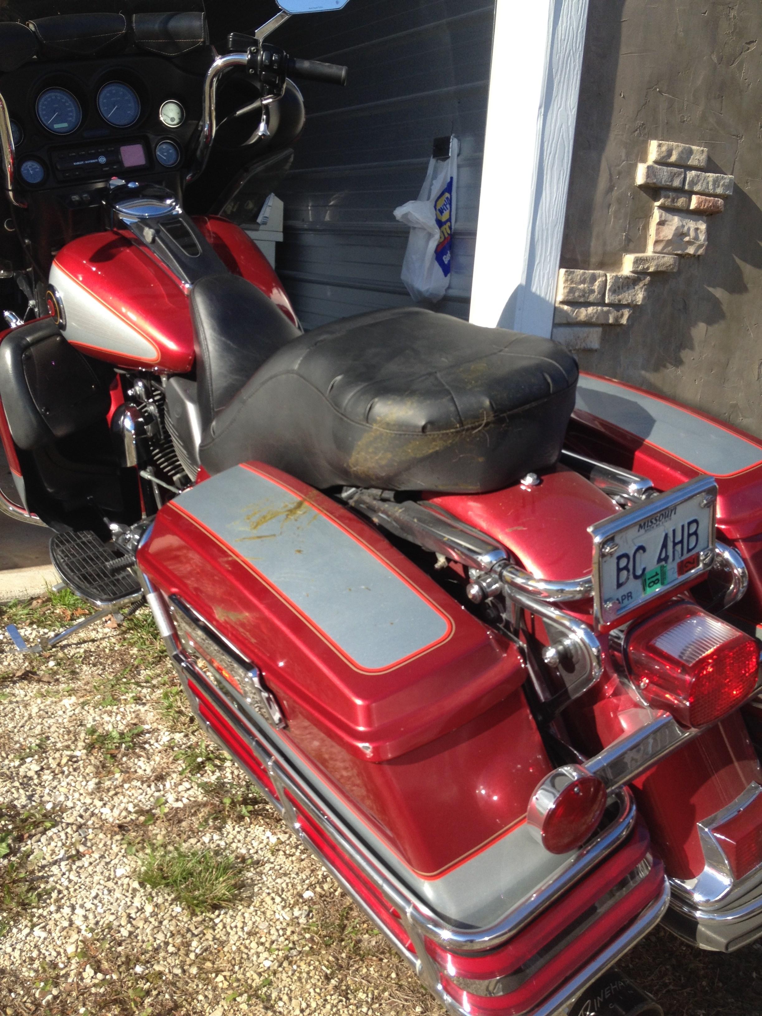Harley Davidson Red Deer >> 2004 Harley-Davidson® FLHTCU/I Ultra Classic® Electra Glide® (Candy Red & Silver), Pittsburg ...