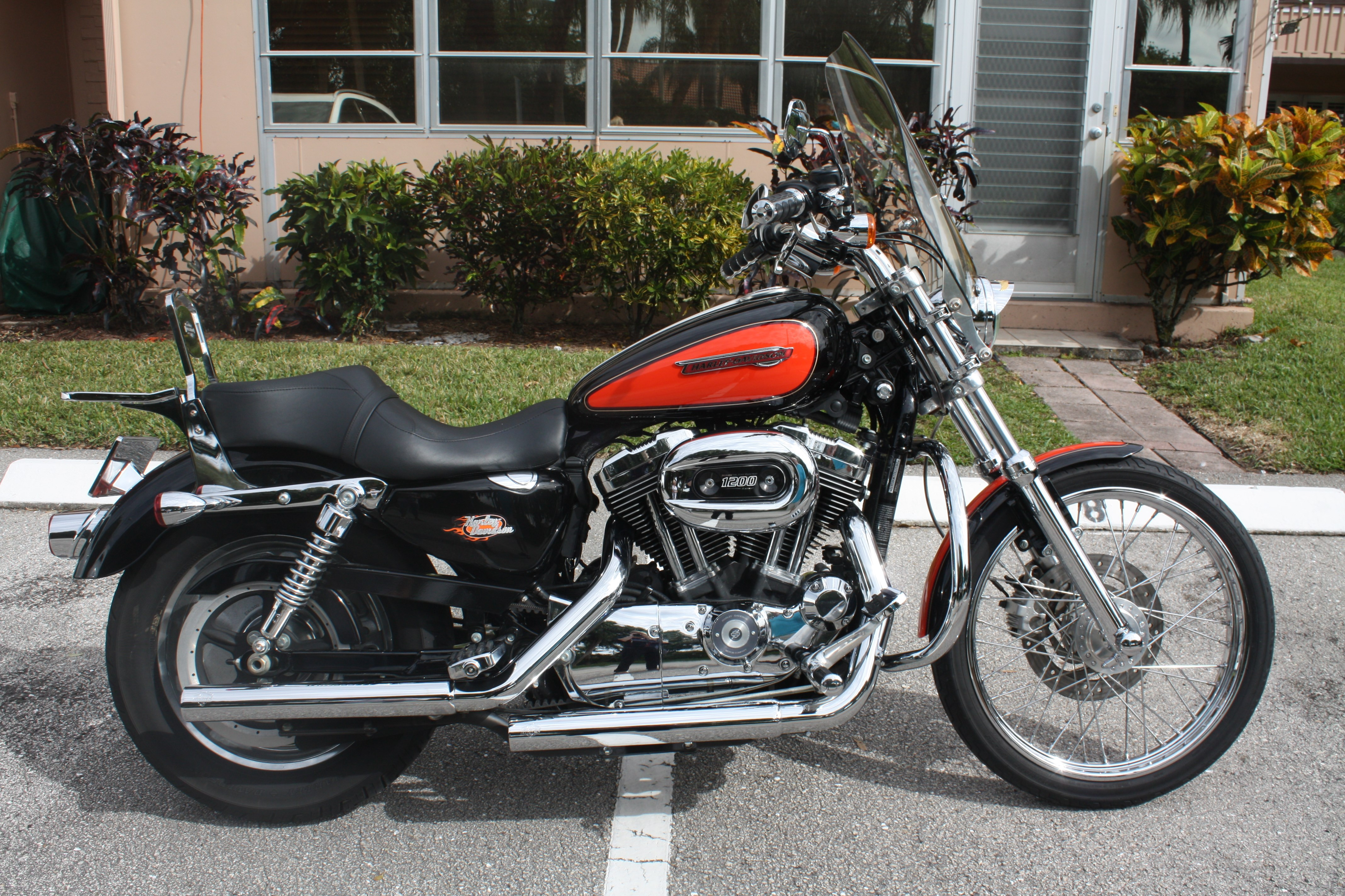 2009 harley davidson xl1200c sportster 1200 custom black and orange delray beach florida. Black Bedroom Furniture Sets. Home Design Ideas