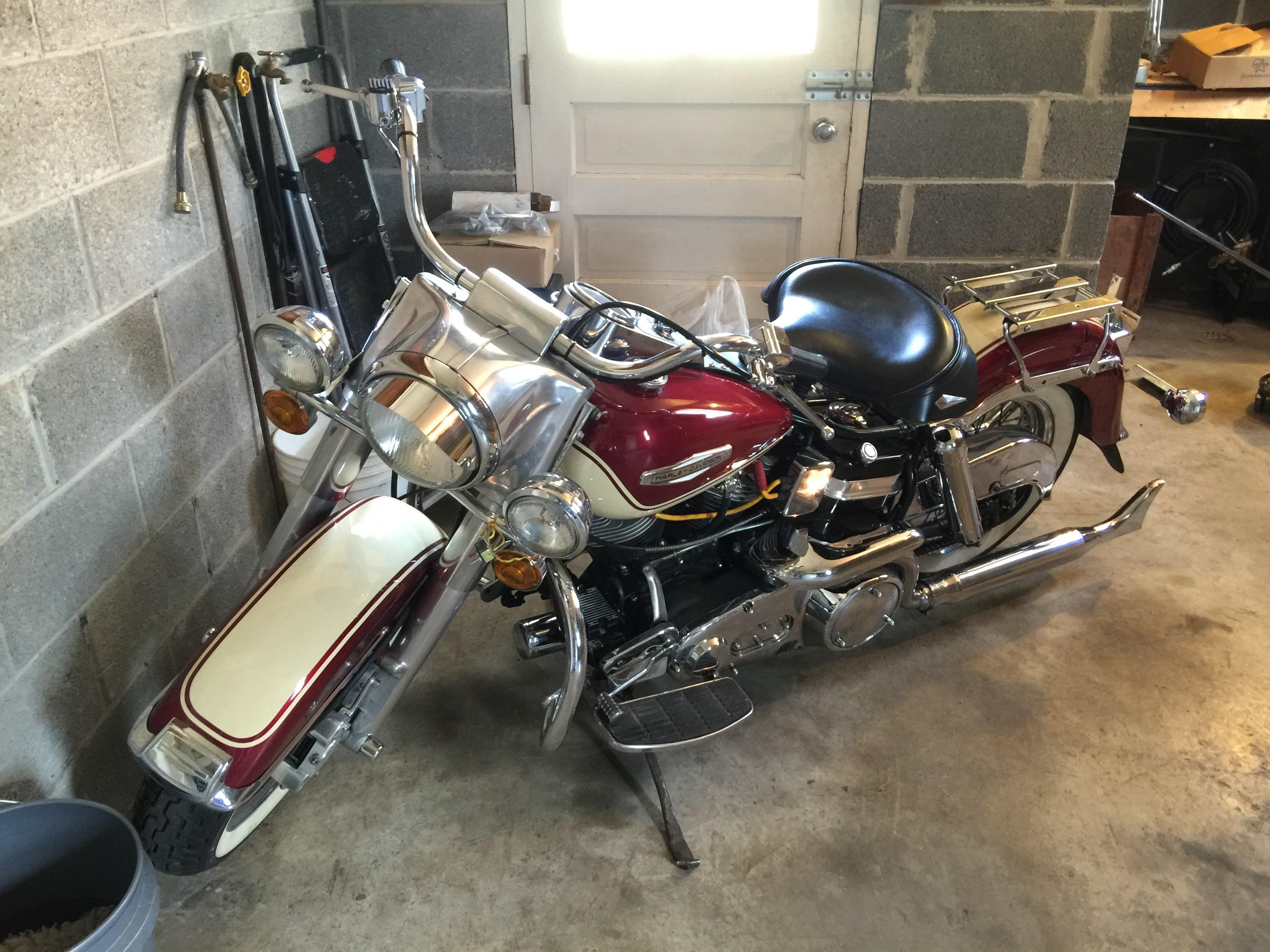 Harley Davidson Motorcycle Battery >> 1972 Harley-Davidson® FLH Electra Glide® w/ Sidecar (Burgundy And Cream), Greencastle ...