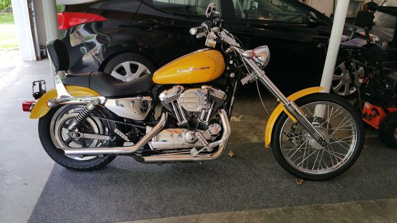 Harley Davidson: 2006 Harley-Davidson® XL1200C Sportster® 1200 Custom