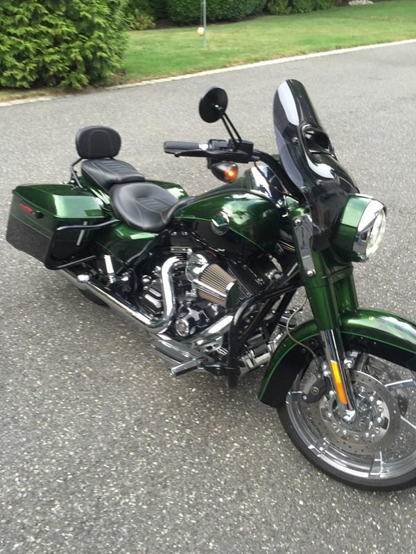 Photo of a 2014 Harley-Davidson® FLHRSE5 CVO™ Road King®