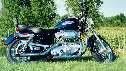 1998 Harley-Davidson® XL883H Sportster® 883 Hugger (Sinister