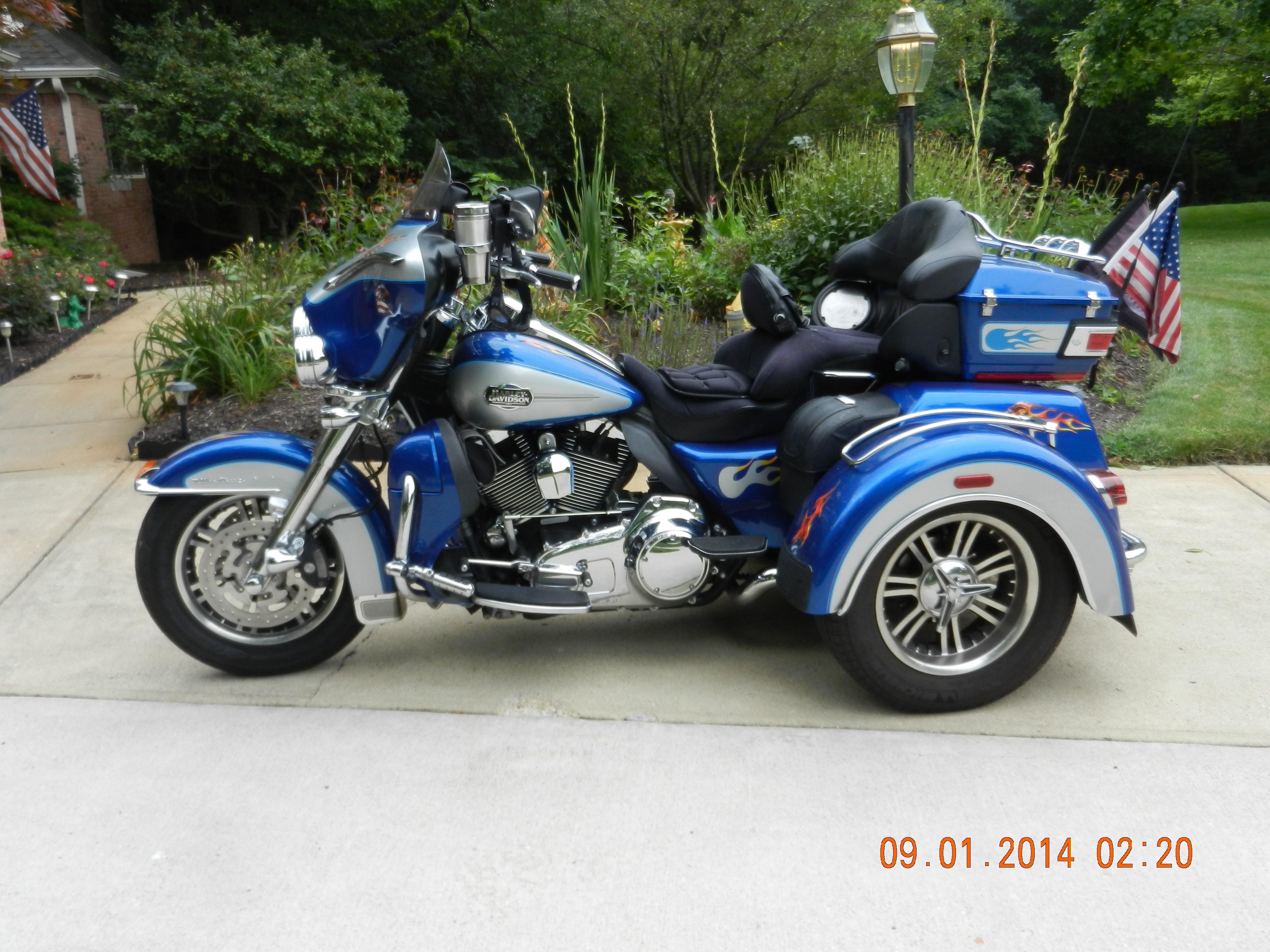 2010 Harley-Davidson® FLHTCUTG Tri Glide™ Ultra Classic